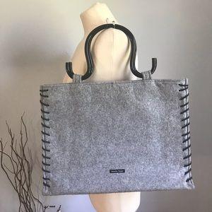 Samantha Thavasa   Grey handle  tote bag